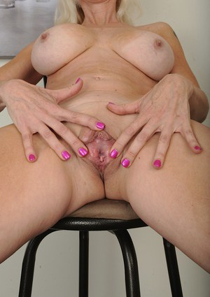 Old Pussy Spread